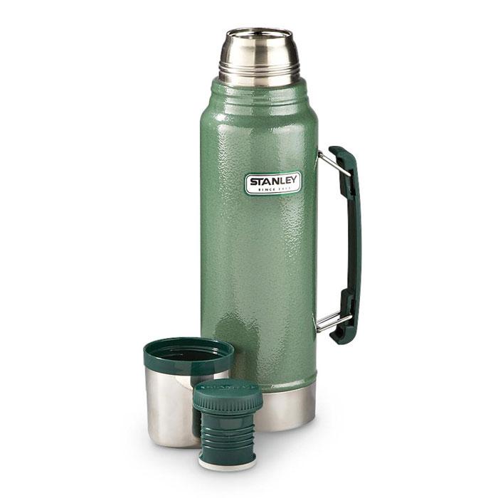Термос Stanley Legendary Classic, цвет: темно-зеленый, 1,9 лVT-1520(SR)Термос Stanley Legendary Classic выполнен из нержавеющей стали, а наружное покрытие-абразивостойкая эмаль. Удерживает теплую температуру жидкости в течение 24 часов, холодную в течение 32 часов. Крышку можно использовать как стакан, ее объем 240 мл. Гарантия на термос пожизненная. Стильный функциональный термос будет незаменим в дороге, на пикнике. Его можно взять с собой куда угодно, и вы всегда сможете наслаждаться горячим домашним напитком.Диаметр термоса: 11,5 см. Высота термоса (с учетом крышки): 37 см.