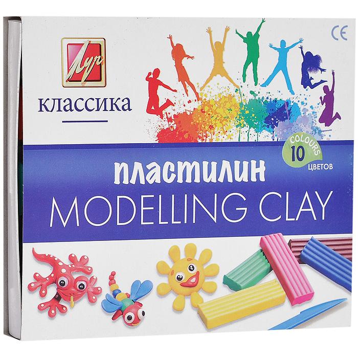 Пластилин Детство, 10 цветов72523WDПластилин Детство, предназначенный для лепки и моделирования, поможет малышу развить творческие способности, воображение и мелкую моторику рук. Пластилин обладает отличными пластичными свойствами, хорошо размягчается и не липнет к рукам. В набор входят пластиковый стек для нарезания пластилина и пластилин десяти цветов: белого, красного, темно-зеленого, фиолетового, черного, желтого, оранжевого, салатового, синего и коричневого.