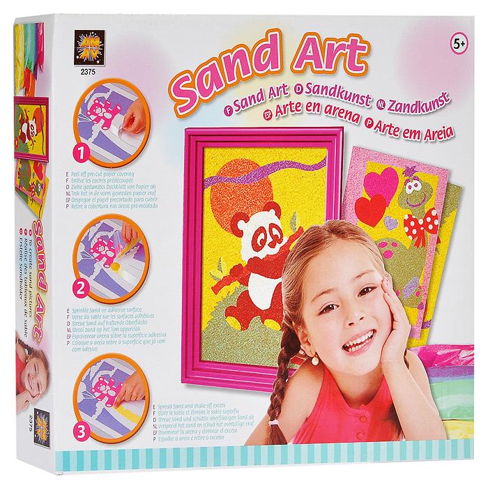 """Набор для создания картин из песка """"Sand Art"""" позволит вашему ребенку создать свои дизайнерские работы. Для этого необходимо снять липкий слой с картинки и аккуратно насыпать декоративный песок. В комплект набора входят: картинки, шесть видов декоративного песка, пластиковая рамка и инструкция. Оригинальные картины, созданные своими руками станут чудесным украшением интерьера детской комнаты или послужат прекрасным подарком друзьям и близким людям!"""