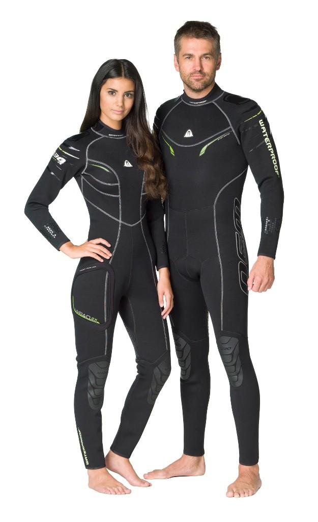 Гидрокостюм Waterproof W30, женский. Размер XL1903301Эластичный материал и тянущиеся плоские швы обеспечивают максимально возможную свободу движений - то, что нужно любителям водных видов спорта. Накладки на плечах не скользят и защищают материал костюма от истирания. Молния с бегунком из нержавеющей стали. Нескользящее покрытие сзади. Резиновые наколенники. Модель оснащена устройством WPAD - или док персональных аксессуаров. Это искусно сконструированный так называемый стыковочный узел на правом бедре для крепления специальных аксессуаров - например, кармана Tech Pocket (приобретается отдельно). Крой учитывает особенности женской фигуры. Характеристики: Размер: XL. Материал: 80% резина, 20% неопрен. Длина брючины по внутреннему шву: 73 см. Длина рукава по внутреннему шву: 50 см. Толщина неопрена: 2,5 мм. Артикул: WP 300226. Размер упаковки: 59 см х 38 см х 8 см.