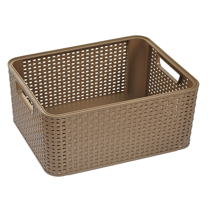 Корзинка Natural Style, цвет: коричневый, 18 лRG-D31SПрямоугольная корзинка Natural Style, изготовленная из пластика коричневого цвета, предназначена для хранения мелочей в ванной, на кухне, на даче или в гараже. Позволяет хранить мелкие вещи, исключая возможность их потери. Легкая корзина со сплошным дном и жесткой кромкой.Корзинка оснащена удобными ручками и специальными выемками внизу и вверху, позволяющие устанавливать корзины друг на друга. Характеристики: Материал: пластик. Цвет: коричневый. Объем корзины: 18 л. Размер корзины (Д х Ш х В): 28,5 см х 38,5 см х 17 см. Артикул: 03615-213.
