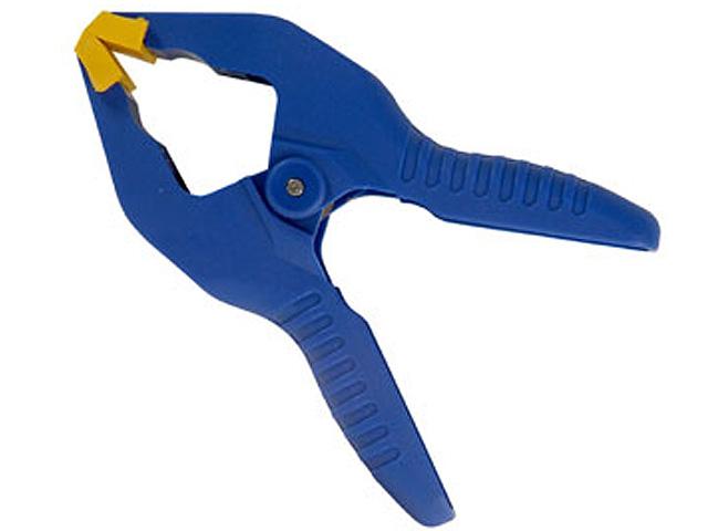 Зажим-прищепка Irwin, до 25 мм98293777Храповой механизм обеспечивает различное давление сжатия. Идеальная струбцина-прищепка для работы в мастерской, дома и в саду. Губки особой конструкции удерживают детали неправильной формы. Характеристики: Ширина зажима: 25 мм. Размер устройства: 7 см х 3,5 см х 11 см. Размер в упаковке: 7 см х 3,5 см х 11 см.
