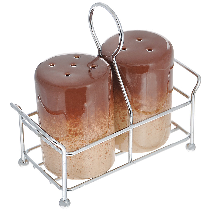 Набор для специй Pekorino, цвет: коричневый, 3 предметаVT-1520(SR)Набор для специй Pekorino, изготовленный из жаропрочной керамики c глазурованной поверхностью, состоит из солонки и перечницы коричневого цвета. Предметы набора размещаются на металлической подставке. Солонка и перечница легки в использовании: стоит только перевернуть емкости, и вы с легкостью сможете поперчить или добавить соль по вкусу в любое блюдо. Такой набор для специй украсит стол и послужит отличным подарком для ваших друзей. Характеристики:Материал: керамика, металл. Цвет: коричневый. Диаметр емкости по верхнему краю: 4,5 см. Высота емкости: 6,5 см. Размер подставки: 11 см х 5 см х 1 см. Размер упаковки: 11,5 см х 5 см х 11 см. Артикул: 588-015.