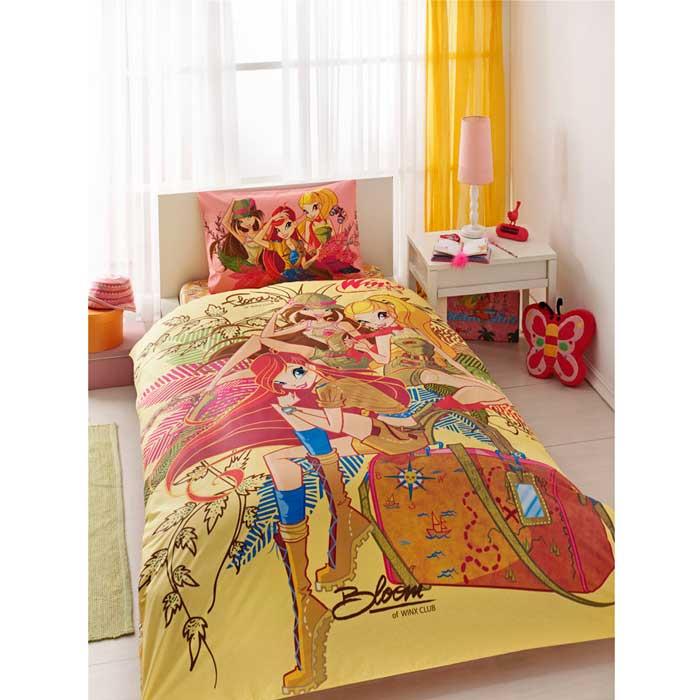Комплект для спальни детский Winx Group Nature Love: покрывало 180 х 240 см, наволочка 50 х 70 смS03301004Детский комплект для спальни Winx Group Nature Love состоит из стеганого покрывала с наполнителем из полиэфира и наволочки. Комплект выполнен из ранфорса, и украшен яркими рисунками. Покрывало с наполнителем обладает мягкостью и приятно согревает.Покрывало с наволочкой Winx Group Nature Love выполнены в модной стилистике популярных детских мультфильмов о феях Winx. Яркий и запоминающийся дизайн позволит осуществить заветную мечту ребенка окунуться в волшебный мир сказок: на покрывале и наволочке изображены три феи Winx. Любимые персонажи создадут атмосферу уюта для ребенка. Комплект упакован в пластиковую сумку-чехол на застежке-молнии, а специальная пластиковая ручка делает чехол удобным для переноски.Ранфорс - плотная, в тоже время мягкая натуральная хлопковая ткань. Идеально поддерживает естественный температурный баланс тела. Легко впитывает влагу (до 20% своего веса), оставаясь при этом сухой на ощупь. Важным преимуществом также является тот факт, что ткань не накапливает статического электричества. Этот материал легко отстирывается и легко выглаживается. В процессе эксплуатации полотно долго не теряет свой изначальный внешний вид. Характеристики: Материал верха: ранфорс (100% хлопок). Наполнитель покрывала: 100% полиэфир. Плотность:430 г/м2. Размер упаковки: 39 см х 23 см х 21 см. Артикул:7018B-8800003866. В комплект входят: Покрывало - 1 шт. Размер: 180 см х 240 см. Наволочка - 1 шт. Размер: 50 см х 70 см. Продукция торговой марки ТАС производится турецким холдингом ZORLU. Она завоевала доверие российских покупателей высоким качеством продукции и тщательно разрабатываемой коллекцией текстильных изделий. Комплекты постельного белья из ранфорса приятно удивят покупателей мягкостью и нежностью ткани, яркостью расцветок, оригинальностью дизайнов.