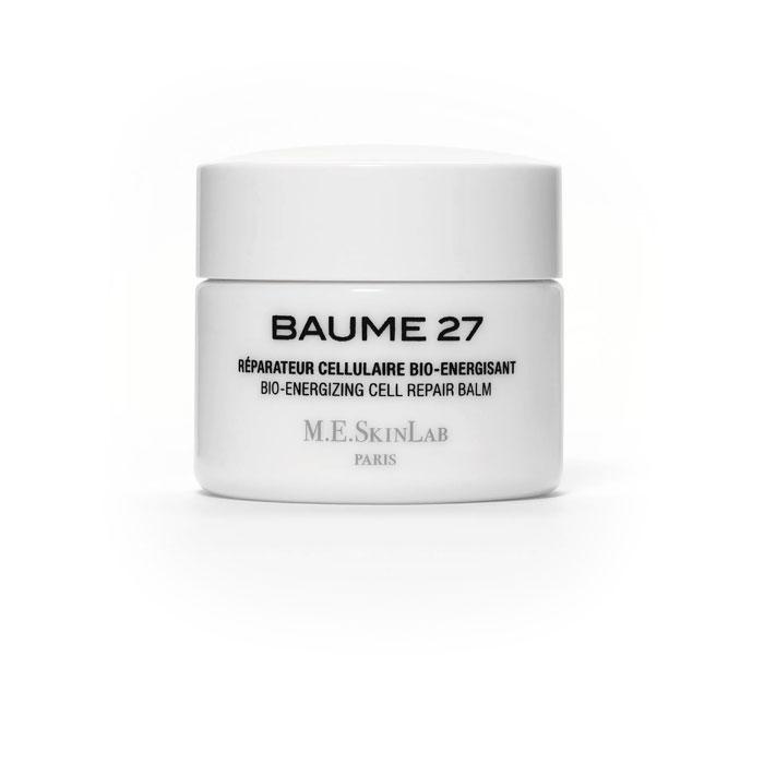 Cosmetics 27 Био-энергетический бальзам Baume 27 для лица, восстанавливающий, 50 млFS-00897Био-энергетический бальзам Baume 27 является отличным средством для борьбы с признаками старения.Эмульсия, структура которой очень похожа на структуру кожи, обеспечивает отличное проникновение ингредиентов. Быстро и полностью поглощается кожей. Подтягивает и укрепляет клеточные ткани, воздействуя на связи между дермальными и эпидермальными слоями кожи, восстанавливая структуру и сообщение протеинов. Защищает кожу, действуя против свободных радикалов и окисляющих агентов, а также клеточного, физиологического и вынужденного стресса (UVB лучи). Смягчает и успокаивает кожу, подверженную воздействию стресса и агрессивных факторов среды или склонную к аллергическим реакциям, воздействуя на медиаторы воспалительных процессов.Результат: кожа выглядит и чувствует себя обновленной, здоровой и молодой. Становится более плотной. Тон кожи значительно более сияющий. Морщины смягчаются и становятся менее заметными. Баланс кожи восстанавливается, кожа тонизируется и смягчается. Результат виден с самой первой недели использования.Не содержит парабенов, производных нефтехимии или силикона, искусственных красителей. Применение: наносите на тщательно очищенную кожу. Нанесите небольшое количество продукта с помощью специальной лопатки, доза определятся в связи с состоянием кожи. Разогрейте между пальцами, пока бальзам не превратится в тонкую эмульсию. Наносите на лицо, шею и зону декольте, мягко и нежно массируя. Завершите нанесение круговым массажем и смягчите морщинки пальцами (лоб, носогубные складки, гусиные лапки). Наносите бальзам утром и вечером, в зависимости от состояния и потребностей кожи.Характеристики:Объем: 50 мл. Артикул: CM27001. Производитель: Франция. Товар сертифицирован.