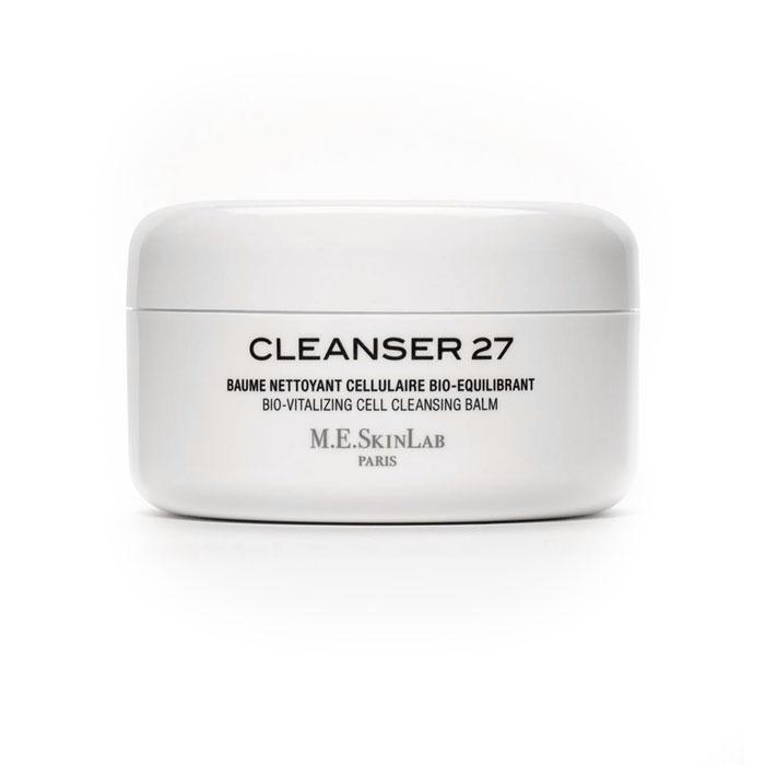 Cosmetics 27 Био-балансирующий бальзам Cleanser 27 для лица, очищающий, 125 млFS-00897Био-балансирующий бальзам Cleanser 27 нежно, но тщательно очищает чувствительную, сухую и аллергенную кожу, смывается водой, снимает макияж. Легкое отшелушивающее средство, обновляет кожу. Трехфазовая формула: бальзам, масло и эмульсия. Увлажняет и легко питает кожу. Насыщенные масла (масло ореха макадамия, дерева пракакси) питают, увлажняют, смягчают и защищают кожу. Липофильные ингредиенты устраняют загрязнения и ухаживают за кожей. Био-экстракт центеллы азиатской восстанавливает и регенерирует. Экстракт бамбука имеет природное отшелушивающее действие, удаляет мертвые клетки кожи. Бисаболол и экстракт ромашки успокаивают аллергенную и чувствительную кожу.Бальзам подходит для всех типов кожи. Специально разработан для сухой кожи, испытывающей недостаток жизненной силы. Применение: возьмите небольшое количество очищающего средства с помощью специальной лопатки. Нанесите на сухое лицо, шею и зону декольте. Втирайте в кожу массирующими движениями на протяжении 1 минуты, пока бальзам не изменит текстуру и не станет жидким. Нанесите на лицо жидкость, и бальзам станет мягкой кремовой эмульсией. Продолжайте массировать лицо в течение еще одной минуты для полного очищения и нежного отшелушивания. Смойте водой и высушите лицо, аккуратно прикладывая к нему полотенце.Характеристики:Объем: 125 мл. Артикул: CM27003. Производитель: Франция. Товар сертифицирован.