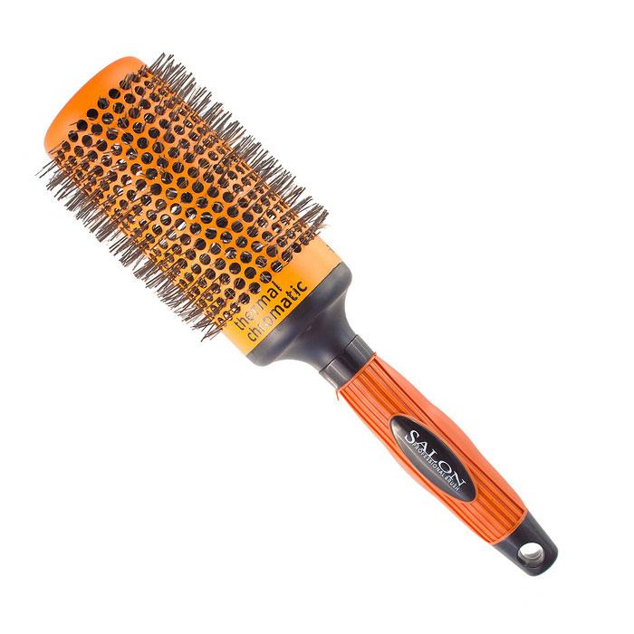 Salon Professional Расческа круглая. 340-9885FVDF3067Круглая расческа Salon Professional с нейлоновыми зубцами предназначена для укладки волос. Керамический цилиндр позволяет равномерно и быстро распределять тепло. Специальное покрытие Thermal Chromatic является индикатором температуры оптимального нагрева позволяет определить лучшее время для начала укладки волос. Характеристики:Материал: пластмасса, нейлон, керамика. Длина расчески: 26 см. Длина зубцов: 1 см. Общий диаметр расчески: 7 см. Производитель: Германия. Артикул:340-9885FVDF.Товар сертифицирован.