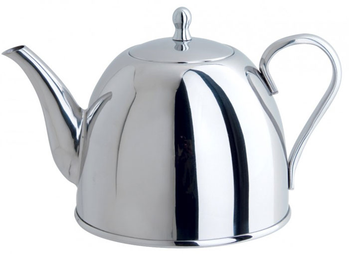 Чайник заварочный Tiera, 1 л93-TP13.1Заварочный чайник Tiera выполнен из высококачественной нержавеющей стали 18/10 с зеркальной полировкой. Чай в таком чайнике дольше остается горячим, а полезные и ароматические вещества полностью сохраняются в напитке. Чайник снабжен удобной терморучкой. Благодаря оригинальному дизайну такой чайник станет украшением любой кухни. Крепление ручек посуды к корпусу выполнено методом точечной сварки или клепкой что обеспечивает минимальный нагрев, прочность и надежность. Чайник пригоден для использования на всех видах плит. Можно мыть в посудомоечной машине. Характеристики:Материал:нержавеющая сталь. Объем чайника:1 л. Высота чайника (с учетом крышки):14 см. Диаметр основания чайника:13 см. Размер упаковки:17,5 см х 14,5 см х 14 см.Производитель:Италия. Артикул:93-TP13.1.