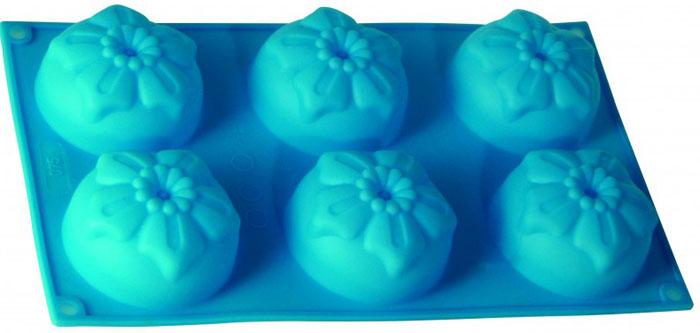 Форма для выпечки и заморозки Незабудки, силиконовая, цвет: голубой, 6 ячеекC833Форма для выпечки и заморозки Regent Inox Незабудки выполнена из силикона и предназначена для изготовления конфет, мармелада, желе, льда и выпечки. На одном листе расположено 6 небольших ячеек в форме цветочков. Оригинальный способ подачи изделий не оставит равнодушными родных и друзей.Силиконовые формы выдерживают высокие и низкие температуры (от -40°С до +230°С). Они эластичны, износостойки, легко моются, не горят и не тлеют, не впитывают запахи, не оставляют пятен. Силикон абсолютно безвреден для здоровья.Не используйте моющие средства, содержащие абразивы. Можно мыть в посудомоечной машине. Подходит для использования во всех типах печей.Формы для выпечки и заморозки Regent Inox - отличный подарок! Они удобны и необходимы любой хозяйке! Характеристики:Материал: силикон. Общий размер формы: 30 см х 17,5 см х 3,2 см. Размер одной ячейки: 7,5 см х 7,5 см х 3 см. Размер упаковки: 38,5 см х 21,5 см х 3,5 см. Изготовитель: Италия. Артикул: 93-SI-FO-27.