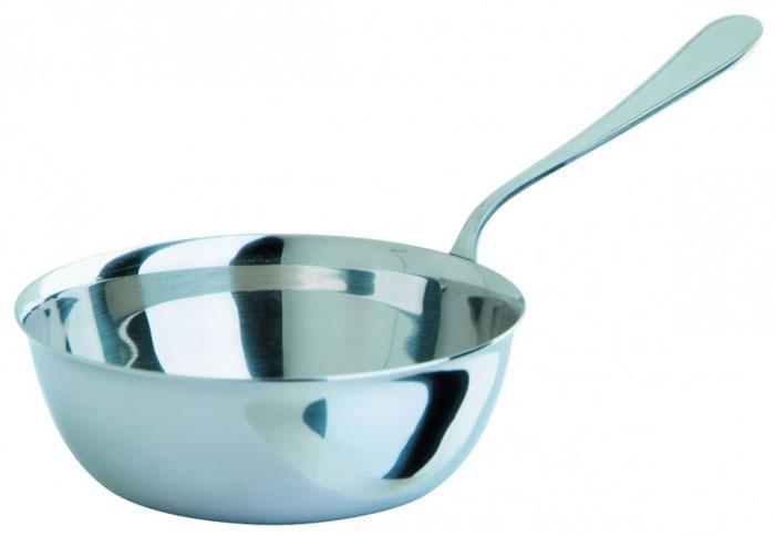 Кокотница Regent Inox, 150 мл93-150Кокотница Regent Inox гигиенична, так как изготовлена из высококачественной пищевой нержавеющей стали, которая обладает высокой устойчивостью к коррозии, не вступает в реакцию с холодными и горячими продуктами, полностью сохраняя их вкусовые качества. Характеристики:Материал: нержавеющая сталь. Диаметр кокотницы: 9 см. Объем кокотницы: 150 мл. Длина ручки: 7,5 см. Размер упаковки: 22,5 см х 15,5 см х 3,5 см. Артикул: 93-150. Изготовитель: Италия.