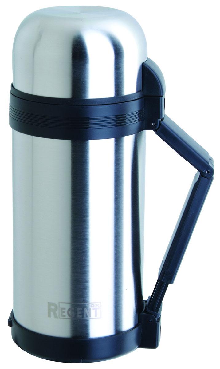 Термос Regent Inox, 1,5 л. 93-TE-U-1-150010-01228-008Термос Regent Inox изготовлен из высококачественной пищевой нержавеющей стали с современной технологией теплоизоляции. Высокая надёжность и долговечность. Имеется глубокий вакуум и двойная металлическая колба, способствующая более длительному сохранению тепла. Термос удобен в использовании дома, на даче, в турпоходе и на рыбалке. Пригодится на работе, в офисе и командировке, экономит электроэнергию и время. Удобная ручка-ремень сделает переливание жидкостей более комфортным. Характеристики:Материал: пластик, нержавеющая сталь, резина. Объем: 1,5 л. Диаметр термоса: 10,5 см. Высота термоса (с учётом крышки): 31,5 см. Размер упаковки: 12 см х 12 см х 32 см. Артикул: 93-TE-U-1-1500.