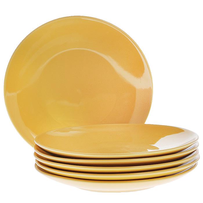 Набор тарелок, цвет: желтый, 270 мл, 6 шт1228249Набор включает в себя шесть тарелок, выполненных из высококачественной керамики. Лаконичность оформления набора придется по вкусу и ценителям классики, и тем, кто предпочитает утонченность и изысканность.Тарелки являются экологически безопасными, так как не содержат кадмия и свинца. Характеристики:Материал:керамика. Диаметр тарелки:27 см. Комплектация:6 шт. Размер упаковки:27 см х 28 см х 9 см. Артикул:Кт CG-911A-YE.