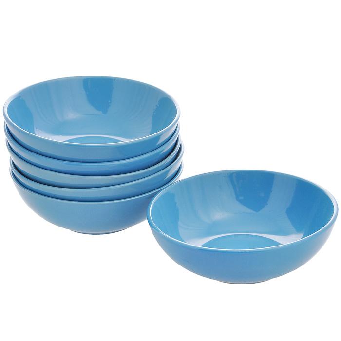 Набор тарелок глубоких, цвет: синий, диаметр 18 см, 6 шт115510Набор включает в себя шесть глубоких тарелок, выполненных высококачественной керамики. Лаконичность оформления набора придется по вкусу и ценителям классики, и тем, кто предпочитает утонченность и изысканность.Тарелки являются экологически безопасными, так как не содержат кадмия и свинца. Характеристики:Материал:керамика. Диаметртарелки:18 см. Высота тарелки:5,5 см. Объем тарелки: 750 мл.Комплектация:6 шт. Размер упаковки:18 см х 18 см х 14 см. Артикул:Кт CG-911B-BL.