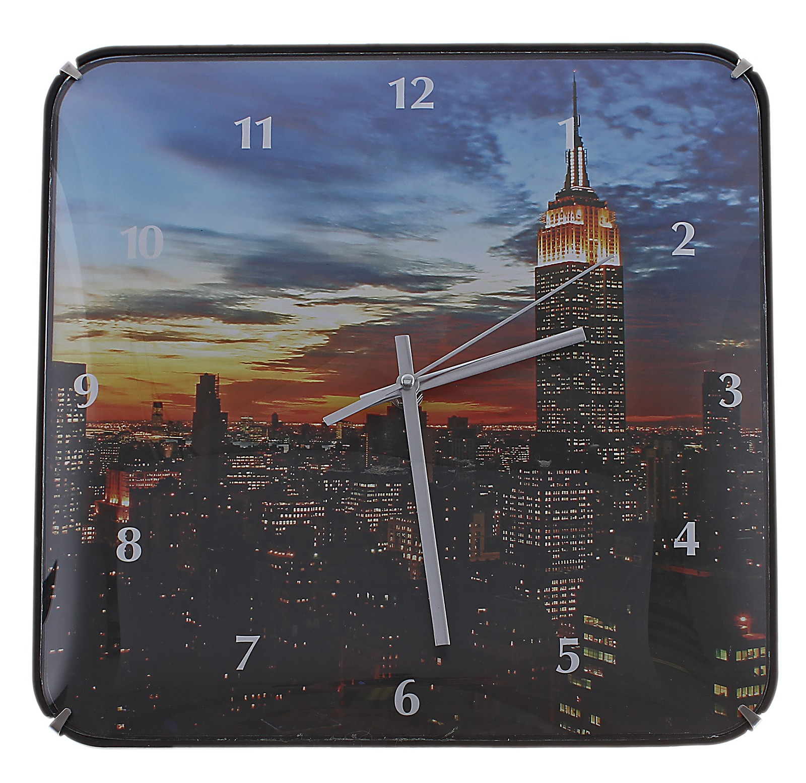 Часы настенные Ночной сити, цвет: мульти. 58919594672Оригинальные настенные часы Ночной сити квадратной формы выполнены из пластика и оформлены изображением ночного города. Часы имеют три стрелки - часовую, минутную и секундную. Циферблат часов защищен пластиком. Необычное дизайнерское решение и качество исполнения придутся по вкусу каждому. Оформите совой дом таким интерьерным аксессуаром или преподнесите его в качестве презента друзьям, и они оценят ваш оригинальный вкус и неординарность подарка. Характеристики:Материал: пластик, металл. Размер: 3 см x 30 см x 30 см. Размер упаковки: 31 см х 31 см х 4,5 см. Артикул:589195. Работают от батарейки типа АА (в комплект не входит).