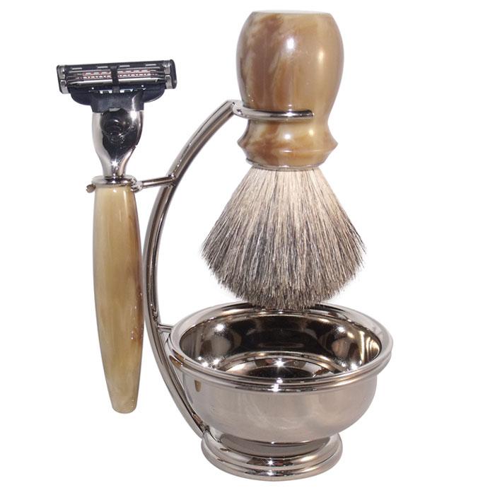 Бритвенный набор S.Quire, цвет: серебряный, с имитация под рог. 65166516Бритвенный набор S.Quire - станет отличным подарком для мужчины. Набор состоит из помазка, бритвенного станка, чаши и подставки под эти предметы.Помазок выполнен из тончайшего натурального ворса (чистый барсучий необрезанный волос). Бритвенный станок оснащен оригинальными лезвиями Mach 3 Turbo фирмы Gillette. Ручки станка и помазка выполнены из прочного пластика с элементами из высококачественной нержавеющей стали. Подставка изготовлена из высококачественной стали с нержавеющим и не тускнеющим покрытием.Такой набор отлично впишется в интерьер ванной комнаты. Характеристики:Материал: нержавеющая сталь, пластик, натуральная щетина. Длина бритвенного станка: 13,5 см. Длина помазка: 10,5 см. Диаметр чаши:7,5 см. Размер подставки: 13 см х 9 см х 6 см. Размер упаковки: 18 см х 9,5 см х 16 см. S.Quire - это коллекция модных, элегантных, стильных аксессуаров для мужчин, разработанная европейскими дизайнерами и отражающая все тенденции современной моды. В коллекцию S.Quire входит широкий ассортимент разнообразных товаров: фляги, заколки для галстуков, запонки, брелоки, бритвенные наборы, кружки, термосы, портсигары, пепельницы, изделия из кожи, винные аксессуары и наборы с различной комплектацией вышеперечисленных аксессуаров.