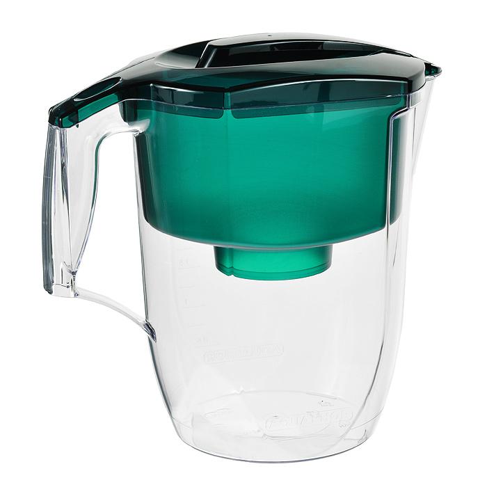 Фильтр-кувшин для воды Аквафор Гарри, цвет: зеленый, 3,9 лФильтр-кувшин Барьер Смарт цвет: зеленыйФильтр для воды Гарри - удобный и элегантный. Универсальный фильтрующий модуль с бактерицидной добавкой. Качество очистки питьевой воды фильтрами Аквафор подтверждено испытаниями, проведенными в Институте Токсикологии Минздрава России, а профильтрованная вода рекомендована Федеральной службой по надзору в сфере защиты прав потребителей и благополучия человека для использования при приготовлении детского питания.Используется универсальный сменный фильтрующий модуль В100-5 с усиленной бактерицидной добавкой - предназначен для доочистки воды и устранения избыточной жесткости, снижает образование накипи.Благодаря использованию уникальных волокнистых сорбционных материалов марки Аквален в комбинации с лучшими марками активированных углей сменный модуль Аквафор В100-5 надежно и необратимо задерживает не только органические соединения и тяжелые металлы, но и другие виды вредных примесей, а также устраняет избыточную жесткость воды и предотвращает образование накипи. Для подавления роста бактерий используется модификация волокна Аквален, содержащая фиксированное в матрице сорбента серебро. В результате у вас всегда под рукой чистая вода без остаточного активного хлора и органических примесей с приятным вкусом и без запаха. Характеристики:Материал: пластик. Цвет: зеленый. Объем: 3,9 л. Размер кувшина: 25 см х 15 см х 26 см. Картридж Аквафор В100-5: в комплектации. Средний ресурс картриджа: 300 л. Размер упаковки: 27 см х 15 см х 26 см. Артикул: 45229. В комплект входит инструкция по эксплуатации на русском языке. Компания Аквафор создавалась как высокотехнологическая производственная фирма, охватывающая все стадии создания продукции от научных и конструкторских разработок до изготовления конечной продукции. Основное правило Аквафора - стабильно высокое качество продукции и высокие технологии, поэтому техническое обновление производства происходит каждые 3-4 года, для чего покупа