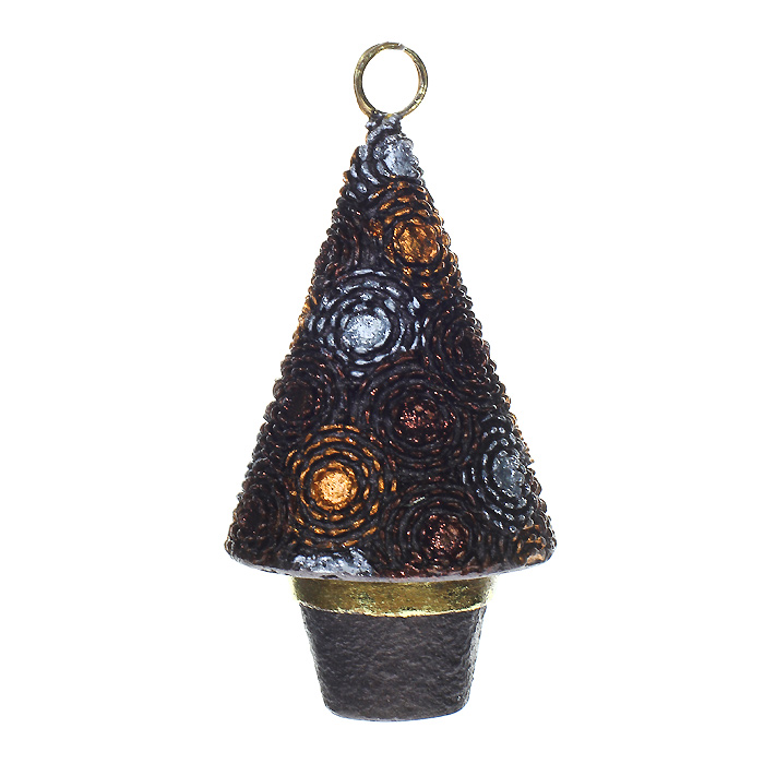 Новогоднее подвесное украшение Елка, цвет: коричневый. 25420C0038550Оригинальное новогоднее украшение «Елка» отлично подойдет для праздничного декора вашего дома и новогодней ели. Украшение выполнено из пластика в виде праздничной елочки. Благодаря плотному корпусу изделие никогда не разобьется, поэтому вы можете быть уверены, что оно прослужит вам долгие годы.Елочная игрушка - символ Нового года. Она несет в себе волшебство и красоту праздника. Создайте в своем доме атмосферу веселья и радости, украшая новогоднюю елку нарядными игрушками, которые будут из года в год накапливать теплоту воспоминаний. Коллекция декоративных украшений из серии Magic Time принесет в ваш дом ни с чем несравнимое ощущение волшебства! Характеристики:Материал: пластик. Цвет: коричневый. Размер игрушки: 6 см х 6 см х 11 см. Артикул: 25420.