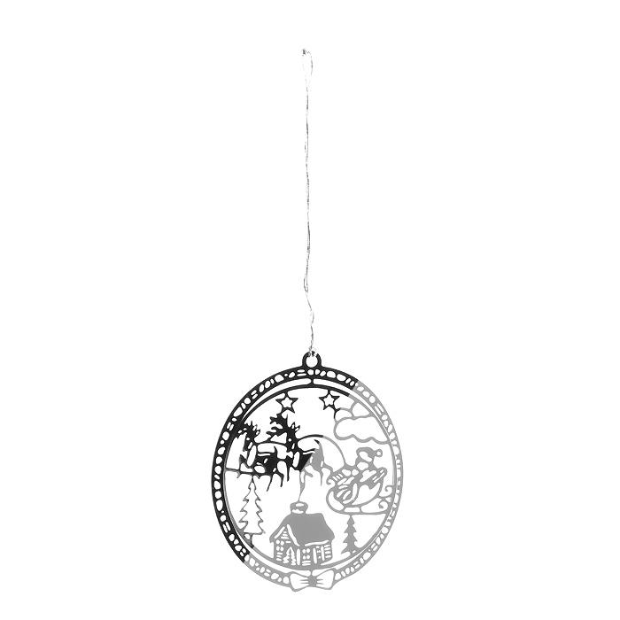 Новогоднее подвесное украшение Сани, цвет: серебристый. 3163131066Оригинальное новогоднее украшение «Сани» прекрасно подойдет для праздничного декора вашего дома и новогодней ели. Украшение выполнено из черного металла, окрашенного золотистой краской, и оформлено перфорацией. С помощью текстильной петельки изделие можно повесить в любое понравившееся место. Но, конечно, удачнее всего оно будет смотреться на новогодней елке.Елочная игрушка - символ Нового года. Она несет в себе волшебство и красоту праздника. Создайте в своем доме атмосферу веселья и радости, украшая новогоднюю елку нарядными игрушками, которые будут из года в год накапливать теплоту воспоминаний. Характеристики:Материал: металл, текстиль. Цвет: серебристый. Диаметр украшения: 5 см. Размер упаковки: 6,5 см х 8 см х 2,5 см. Артикул: 31631.