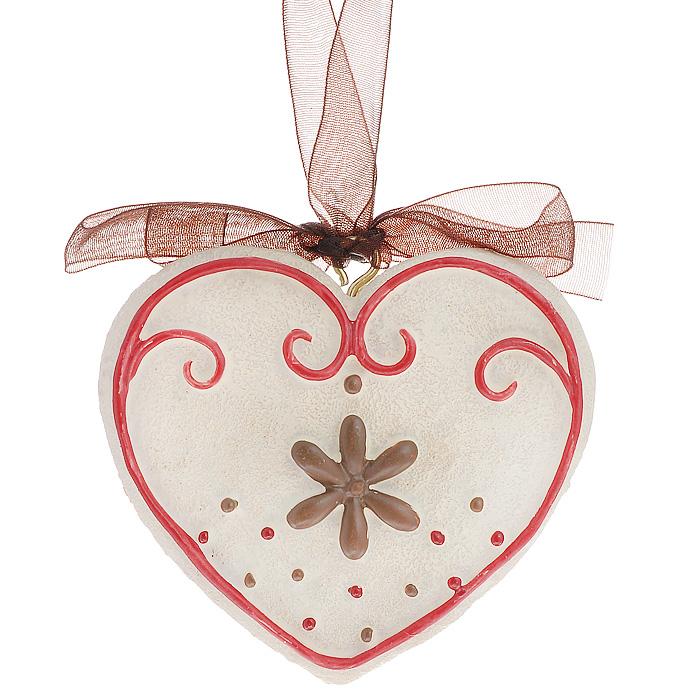 Новогоднее подвесное украшение Сердечко, цвет: бежевый, красный. 259411501-2353Оригинальное новогоднее украшение выполнено из полирезины в виде сердечка. С помощью специальной ленты украшение можно повесить в любом понравившемся вам месте. Но, конечно же, удачнее всего такая игрушка будет смотреться на праздничной елке.Новогодние украшения приносят в дом волшебство и ощущение праздника. Создайте в своем доме атмосферу веселья и радости, украшая всей семьей новогоднюю елку нарядными игрушками, которые будут из года в год накапливать теплоту воспоминаний. Коллекция декоративных украшений из серии Magic Time принесет в ваш дом ни с чем несравнимое ощущение волшебства! Характеристики:Материал: полирезина, текстиль. Размер украшения: 6 см х 6,5 см х 1 см. Артикул: 25941.