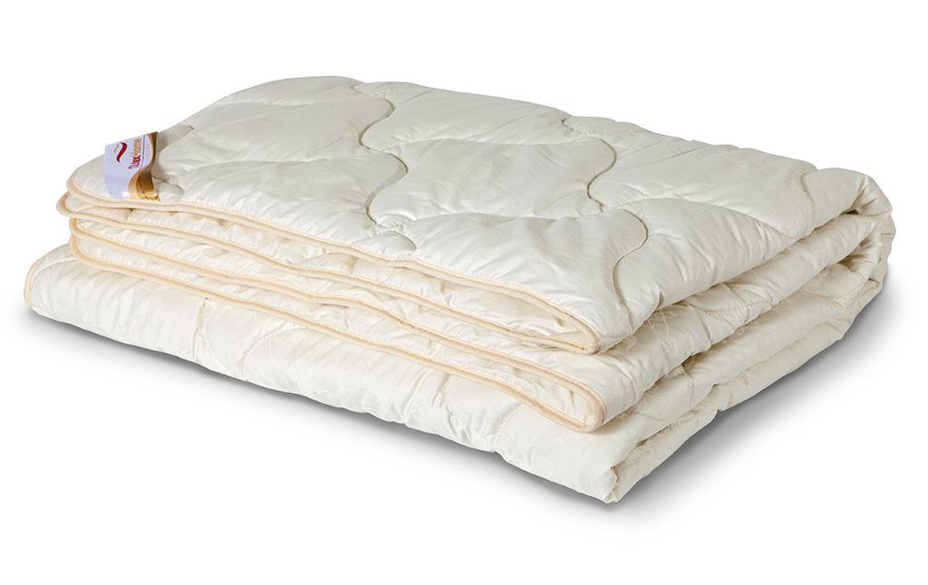 Одеяло всесезонное OL-Tex Ангора, наполнитель: шерсть ангорской козы, цвет: кремовый, 140 см х 205 см44.882Всесезонное одеяло OL-Tex Ангора подарит невероятный комфорт и мягкость во время сна. Чехол выполнен из сатина кремового цвета, оформлен фигурной стежкой и кантом по краю. Стежка равномерно удерживает наполнитель в чехле, а кант держит форму изделия. Внутри - наполнитель из шерсти ангоры (козий пух). Издавна козий пух величали не иначе как мягкое золото. Ни одна шерсть не отличается такой мягкостью, нежностью, легкостью и теплотой. Изделия из козьего пуха благотворно влияют на людей, страдающих гипертонией, остеохондрозом, радикулитом, артритом. Помогают в профилактике простудных заболеваний. Натуральный козий пух: - прекрасно впитывает влагу, создавая сухое тепло, - гигроскопичен, обладает очень низкой теплопроводностью, - не вызывает аллергических реакций. Шерсть ангоры придает изделию необыкновенную легкость и мягкость, в которую хочется окунуться. Великолепное одеяло подарит Вам сухое и целебное тепло шерсти ангорской козы. Шерсть ангорской козы сохраняет прохладу в период жаркого лета и удерживает тепло во время суровой зимы. Нежное, теплое и красивое одеяло из коллекции Ангора - это комфорт и уют в Вашей спальне.Рекомендации по уходу:- Стирка запрещена.- Не гладить.- Не отбеливать. - Нельзя отжимать и сушить. - Химчистка любым растворителем кроме трихлорэтилена. Размер одеяла: 140 см х 205 см. Материал чехла: сатин (100% хлопок). Материал наполнителя: шерсть ангоры (натуральный козий пух). Плотность: 300 г/м2.