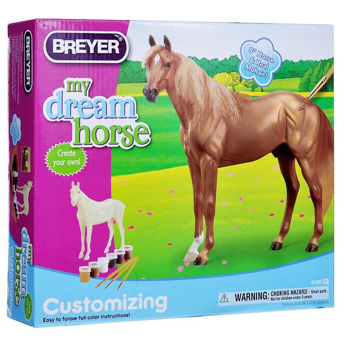 """Набор для раскрашивания фигурки Breyer """"Лошадь моей мечты"""" поможет вашему ребенку овладеть азами живописи. Входящие в набор краски позволят превратить обычную гипсовую фигурку лошади в яркую игрушку. Руководствуясь рисунками в буклете, необходимо последовательно наносить краски на фигурку, не забывая про отметины и тени. Далее останется только приклеить хвост и гриву - и фигурка лошади готова! Благодаря набору ваш ребенок научится пространственно мыслить, различать цвета, творчески решать поставленные задачи. В набор входят: гипсовая фигурка лошади, акриловые краски шести цветов: черного, красно-коричневого, белого, карамельного коричневого, темно-коричневого и желтой охры, мохер черного и коричневого цветов для гривы и хвоста, клей, три кисточки, буклет и инструкция на русском языке."""