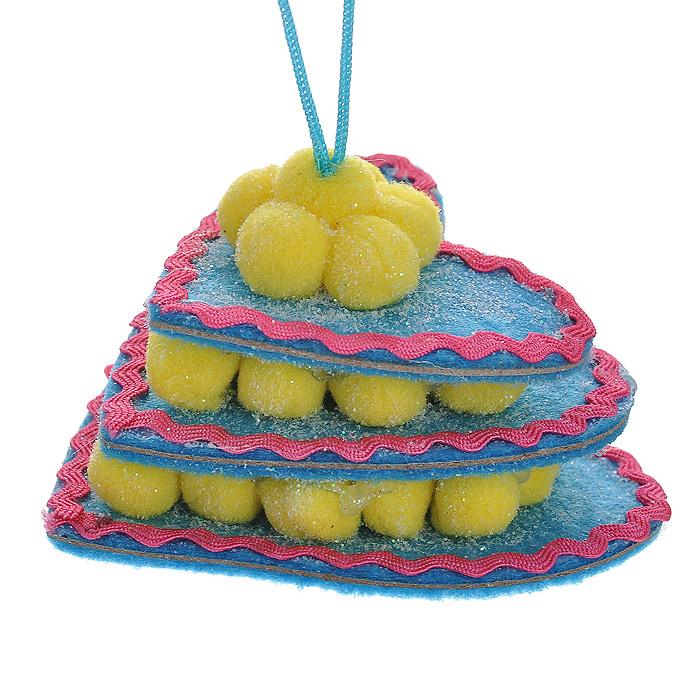 Новогоднее подвесное украшение Торт, цвет: голубой. 2536209840-20.000.00Оригинальное подвесное украшение «Торт» прекрасно подойдет для праздничного декора дома и новогодней ели. Украшение выполнено из полиэстера в виде торта в форме сердца и оформлено блестками. С помощью атласной ленточки его можно повесить в любом понравившемся вам месте. Но, конечно, удачнее всего такая игрушка будет смотреться на праздничной елке.Елочная игрушка - символ Нового года. Она несет в себе волшебство и красоту праздника. Создайте в своем доме атмосферу веселья и радости, украшая новогоднюю елку нарядными игрушками, которые будут из года в год накапливать теплоту воспоминаний. Коллекция декоративных украшений из серии Magic Time принесет в ваш дом ни с чем несравнимое ощущение волшебства! Характеристики:Материал: полиэстер. Цвет: голубой. Размер украшения: 7,5 см х 7,5 см х 4 см. Артикул: 25362.