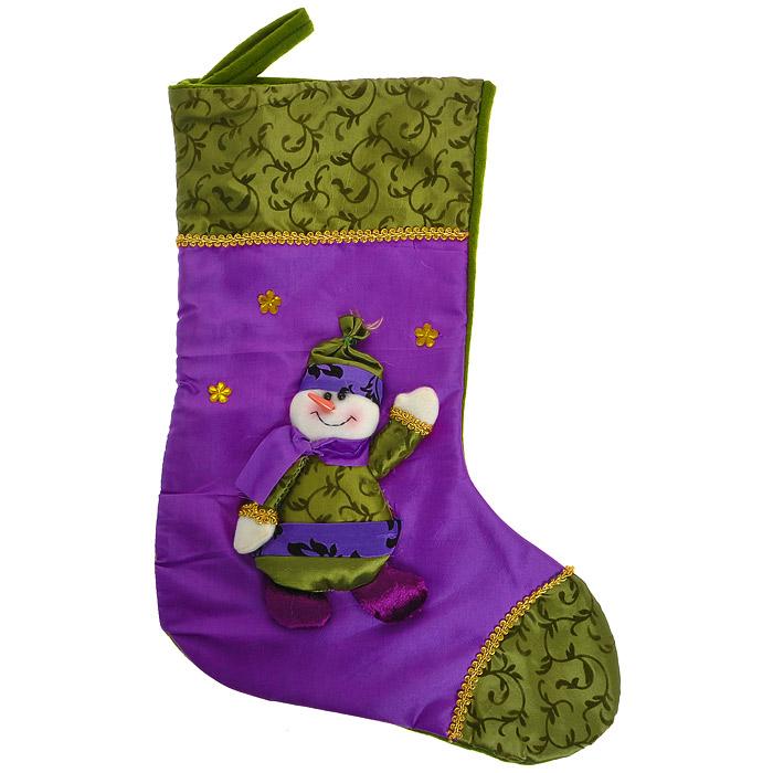 Новогоднее подвесное украшение Носок, цвет: фиолетовый, зеленый. 26522C0038550Оригинальное новогоднее украшение выполнено из текстиля в виде носка для подарков и оформлено аппликацией с изображением снеговика. Носок расшит золотистой тесьмой и декорирован стразами. Вы можете подвесить его в любом месте, где оно будет удачно смотреться, и радовать глаз. Кроме того, это украшение - отличный вариант подарка для ваших близких и друзей.Новогодние украшения приносят в дом волшебство и ощущение праздника. Создайте в своем доме атмосферу веселья и радости, украшая всей семьей новогоднюю елку нарядными игрушками, которые будут из года в год накапливать теплоту воспоминаний. Коллекция декоративных украшений из серии Magic Timeпринесет в ваш дом ни с чем несравнимое ощущение волшебства! Характеристики:Материал: полиэстер. Цвет: фиолетовый, зеленый. Размер украшения: 45 см х 30 см. Артикул: 26522.