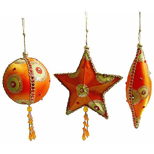 Набор новогодних подвесных украшений, цвет: оранжевый, зеленый, 3 шт. 126760279-0012В набор входят три елочных игрушки, выполненные в виде шара, звезды и веретена. Украшения покрыты оранжевым и зеленым текстилем, декорированы бусинами и стразами различных цветов и размеров, блестящими лентами, золотистой тесьмой и проволокой. Металлический корпус не даст украшениям разбиться или деформироваться при падении и гарантирует их долговечность.Винтажный дизайн этого новогоднего набора украшений не оставит равнодушным ни вас, ни ваших гостей. Характеристики:Материал: металл, текстиль. Цвет: оранжевый, зеленый. Размер украшения в виде шара: 8,5 см х 7,5 см х 7,5 см. Размер украшения в виде звезды: 12 см х 12 см х 3 см. Размер украшения в виде веретена: 15 см х 4,5 см х 4,5 см. Артикул: 12676.