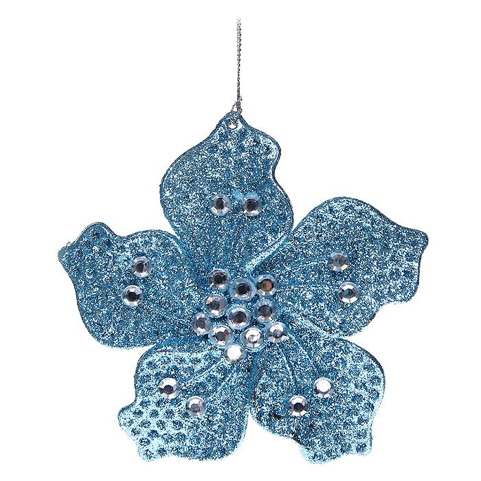 Новогоднее подвесное украшение Цветочек, цвет: голубой. 30647A1484FN-1BNНовогоднее украшение Цветочек отлично подойдет для декорации вашего дома и новогодней ели. Игрушка сделана из пластика в виде цветочка, декорированного блестками и стразами. Елочная игрушка - символ Нового года. Она несет в себе волшебство и красоту праздника. Создайте в своем доме атмосферу веселья и радости, украшая всей семьей новогоднюю елку нарядными игрушками, которые будут из года в год накапливать теплоту воспоминаний. Характеристики: Материал: пластик, стразы. Размер украшения: 14 см х 14 см х 0,5 см. Цвет: голубой. Артикул: 30647. Производитель: Китай.
