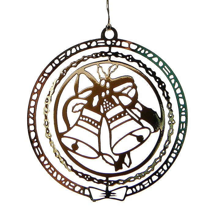 Новогоднее подвесное украшение Колокольчики, цвет: золотистый. 3163309840-20.000.00Оригинальное новогоднее украшение выполнено из черного металла, окрашенного золотистой краской, и оформлено перфорацией в виде колокольчиков. С помощью текстильной петельки изделие можно повесить в любое понравившееся место. Но, конечно, удачнее всего оно будет смотреться на новогодней елке.Елочная игрушка - символ Нового года. Она несет в себе волшебство и красоту праздника. Создайте в своем доме атмосферу веселья и радости, украшая новогоднюю елку нарядными игрушками, которые будут из года в год накапливать теплоту воспоминаний. Характеристики:Материал: металл, текстиль. Цвет: золотистый. Диаметр украшения: 5 см. Размер упаковки: 8 см х 7 см х 2,5 см. Артикул: 31633.