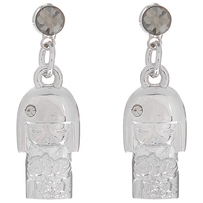 Серьги Kimmidoll Наоми (Красота), цвет: серебристый. KF0869Серьги с подвескамиОчаровательные серьги, выполненные в виде куколки Наоми из высококачественного металла, оформлены кристаллами Swarovski и упакованы в подарочную коробку. Такие серьги с лазерной гравировкой прекрасно подойдут к любому образу. Серьги фиксируются с помощью металлического замочка-гвоздика.Привет, меня зовут Наоми! Я талисман подлинной красоты. Мой Дух - гордый и вызывающий. Любя себя таким, каким вы есть, и, принимая каждый недостаток и несовершенство, как неотъемлемую часть нашей жизни, ваша честность раскрывает мой красивый и честный дух. Можете всегда гордиться собой, оставаясь самим собой и не меняя своих взглядов. Характеристики: Материал: металл, кристаллы Swarovski. Цвет: серебристый. Размер подвески-куколки: 1,7 см х 1 см х 0,3 см. Общая длина серьги: 2,5 см. Размер упаковки: 7 см x 5 см x 3 см. Производитель:Китай. Артикул: KF0869.