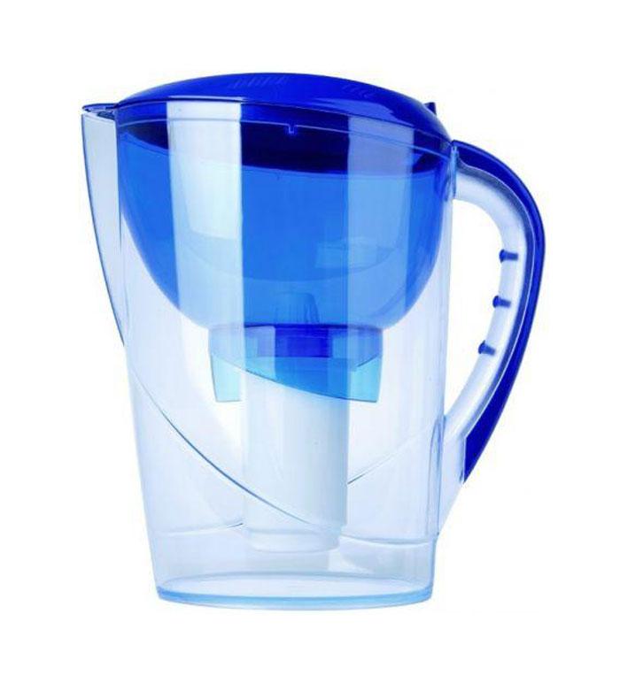 Фильтр-кувшин Гейзер Аквариус, цвет: синий21395599Фильтр-кувшин Гейзер Аквариус. Фильтр-кувшин для очистки водопроводной и скважиной воды. Кувшин выполнен из высококачественного немецкого пищевого пластика. В крышке фильтра имеется специальный клапан, с помощью которого можно заливать воду, не снимая крышки. Нескользящая ручка позволяет удобно держать кувшин. В комплект Гейзер Аквариус входиткартридж 501 для фильтра-кувшина, состоящий из уникального материала Каталон, ионообменной смолы и кокосового угля. Удаляет ржавчину, растворенное железо, органические соединения, тяжёлые металлы, хлор и др. виды примесей. Содержит активное серебро в несмываемой форме, которое блокирует размножение бактерий. Картридж вкручивается в приемную воронку кувшина, обеспечивая герметичное соединение, что позволяет исключить протечку исходной воды в отфильтрованную. Преимущества Фильтра-кувшина Гейзер Аквариус: - Картридж с материалом Каталон (100% защита от вирусов). - Специальный клапан для заливки воды. - Нескользящая ручка и сбалансированный центр тяжести. - Механический индикатор ресурса. В комплекте картридж Гейзер 501. Ресурс 300 литров. Дополнительная информация: Общий объем кувшина - 3,7 л. Объем приемной воронки - 1,4 л. Полезный объем - 2 л. Ресурс 300 л. Температура очищаемой воды до +40 °С. Скорость очистки от 0,4 до 0,2 л/мин. Цвет: синий.