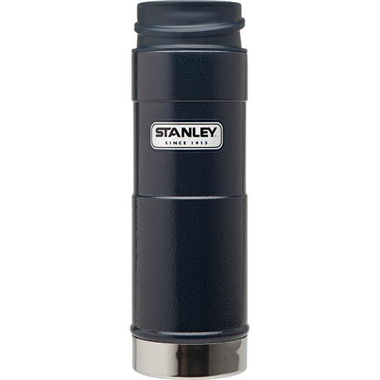 Термостакан Stanley Classic Mug, цвет: темно-синий, 0,47 л10-01394-013Вакуумный герметичный термостакан Stanley Classic Mug выполнен из нержавеющей стали. Он удобен для эксплуатации в автомобиле, так как позволяет одной рукой открывать,закрывать и пить, не отвлекаясь от дороги. Термостакан сохраняет тепло в течение 6 часов, холод - до 24 часов.Стильный функциональный термостакан будет незаменим в дороге, на пикнике. Его можно взять с собой куда угодно, и вы всегда сможете наслаждаться горячим домашним напитком.Гарантийный срок 5 лет. Возврат товара возможен только через сервисный центр.Гарантийный центр:м. ВДНХ, Ботанический сад 129223, г. Москва, Проспект Мира, 119, ВВЦ, строение 323+7 495 974 3494service@omegatool.ru Время работы сервисного центра: Пн-чт: 10.00-18.00Пт: 10.00- 17.00Сб, Вс: выходные дни