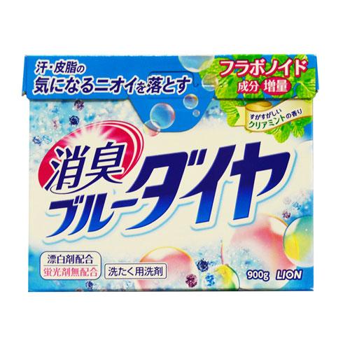 Стиральный порошок Lion Blue Diamond, 900 г106-026Высокоэкономичный стиральный порошок предназначен для ручной и автоматической стирки белья из хлопка, синтетики и смешанных тканей. Содержит ферментный отбеливатель, который безопасен даже для цветного белья, а также антибактериальные компоненты, устраняющие неприятные запахи. Эффективно выводит масляные и белковые пятна.Отлично справляется с самыми трудными загрязнениями уже при 30°С. Компоненты, придающие аромат, глубоко проникают в волокна ткани и придают белью и вещам нежный аромат луговых трав. Порошок легко растворяется в воде. Экологически чистое средство!В случае сильных загрязнений, а также при большом объеме белья, количество используемого порошка можно увеличить на 10%.Порошок укомплектован мерной ложечкой! ВНИМАНИЕ! Порошок содержит флуоресцирующий усилитель белизны, поэтому не подходит для стирки тканей с незакрепленными красителями и тканей светлых тонов. Характеристики: Вес: 900 г. Состав: ПАВ 24%, натрий-эфир R-фосфат жирной кислоты, компонент чистой мыльнойосновы (натрий жирной кислоты), полиокси-этилен-эфир-алкил), смягчающий воду компонент(алюминосиликат), щелочной элемент (углекислая соль),ускоряющий растворение компонент,ферментный отбеливатель, флуорес-цирующий усилитель белезны, ферменты. Производитель: Япония. Артикул: 19368. Японская бытовая химия - это эффективность, высочайшее качество, экономичность ибезопасность применения.Компания Lion, основанная в октябре 1891 г, является одним из лидеров в Японии попроизводству косметической продукции и бытовой химии. Четыре исследовательских центракомпании постоянно занимаются разработкой новой продукции, а также совершенствованием ужеимеющейся. Компания Lion стремится к тому, чтобы делать жизнь людей счастливее ирадостнее. УВАЖАЕМЫЕ КЛИЕНТЫ! Обращаем ваше внимание на возможные изменения в дизайне упаковки. Поставкаосуществляется в зависимости от наличия на складе.
