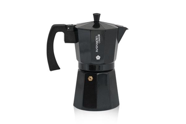 Кофеварка гейзерная Hatamoto, цвет: черный, на 9 кружекBLK-9CUPГейзерная кофеварка Hatamoto позволит вам приготовить ароматный напиток на 9 персон. Корпус кофеварки изготовлен из высококачественного литого алюминия. Кофеварка состоит из двух соединенных между собой емкостей и снабжена алюминиевым фильтром-перколятором, который сохраняет аромат кофе. Удобная ручка выполнена из прочного бакелита. Данная модель предельно проста в использовании, в ней отсутствуют подвижные части и нагревательные элементы, поэтому в ней нечему ломаться. Гейзерные кофеварки являются самыми популярными в мире и позволяют приготовить ароматный кофе за считанные минуты. Основной принцип действия гейзерной кофеварки состоит в том, что напиток заваривается путем прохождения горячей воды через слой молотого кофе. В нижнюю часть гейзерной кофеварки заливается вода, в промежуточную часть засыпается молотый кофе, кофеварка ставится на огонь или электрическую плиту. Закипая, вода начинает испаряться и превращается в пар. Избыточное давление пара в нижней части кофеварки выдавливает горячую воду через молотый кофе и подобно небольшому гейзеру попадает в верхний отсек, где и собирается в готовый кофе. Время приготовления в гейзерной кофеварке составляет примерно 5 минут. Кофеварку можно использовать на всех типах плит, кроме индукционных.Высота (с учетом крышки): 22 см.Диаметр основания: 10 см.