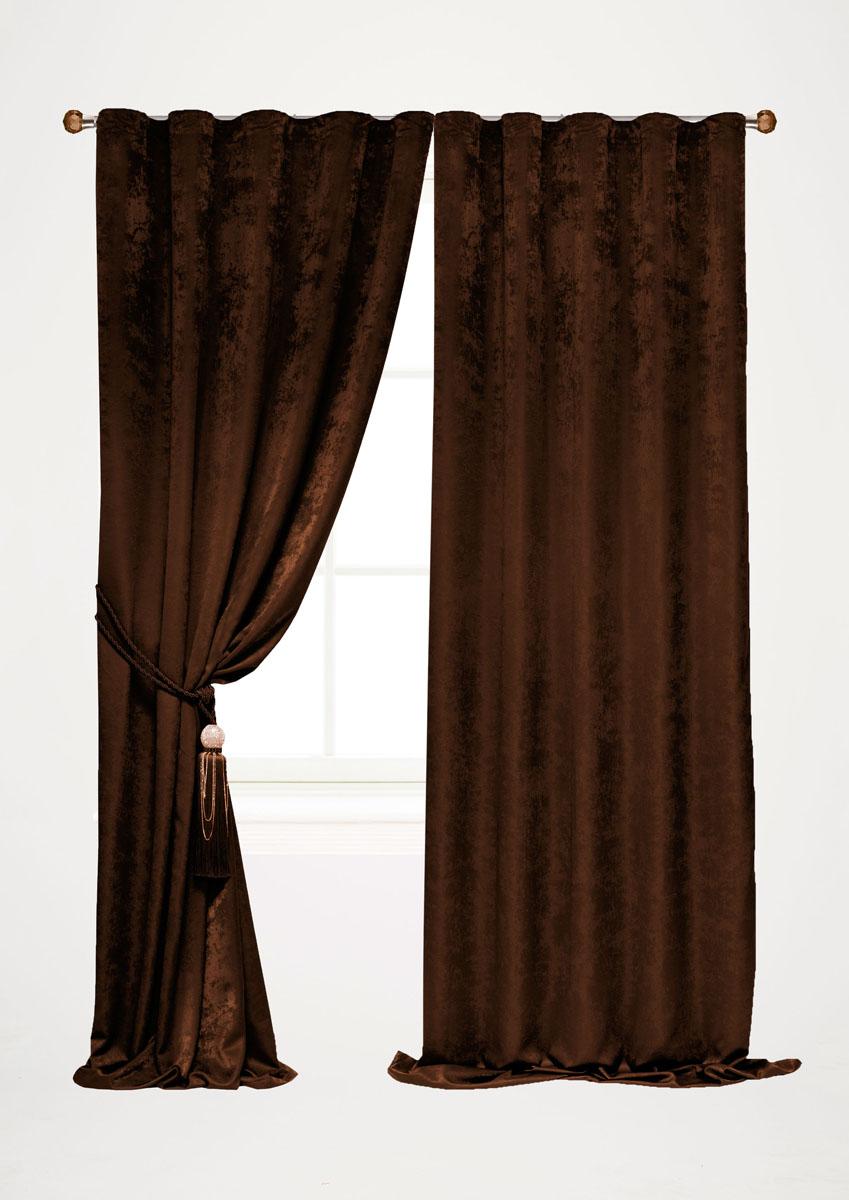 Штора готовая для гостиной Garden, на ленте, цвет: темно-коричневый, высота 260 см. С 535123 V2208С 7219 - W1687 V4Штора готовая для гостиной Garden выполнена из облегченного велюра (полиэстера). Богатая текстура материала и изысканная цветовая гамма привлекут к себе внимание и органично впишутся в интерьер помещения.Изделие оснащено шторной лентой для красивой сборки.Штора Garden великолепно украсит любое окно.