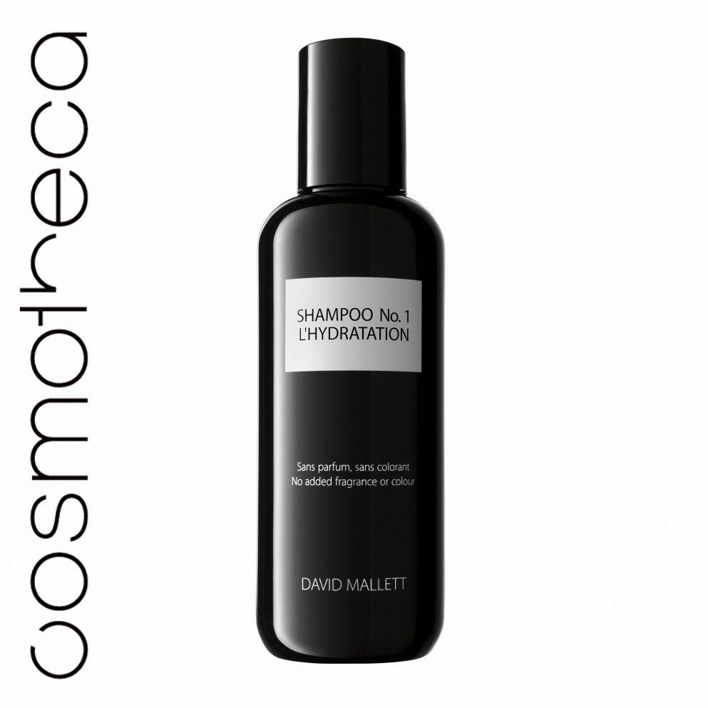 David Mallett Шампунь для волос, увлажняющий, 250 млFS-00897Шампунь, разработанный для всех типов волос, в частности, для волос, которые были пересушены, испытывают усталость от постоянных процедур и укладок, или часто сушатся феном. В составе только чистые пенящиеся вещества, не содержит агрессивных химических веществ, которые могли бы вызвать раздражение у чувствительной кожи. Шампунь подготавливает волосы к глубокому проникновению жидкости в их структуру, раскрывая волосяные кутикулы.Активный ингредиент - очищенное масло ореха макадамия. Шампунь David Mallett сделает ваши волосы чистыми и насыщенными энергией. Характеристики:Объем: 250 мл. Артикул: DMSHA01. Производитель: Франция. Товар сертифицирован.