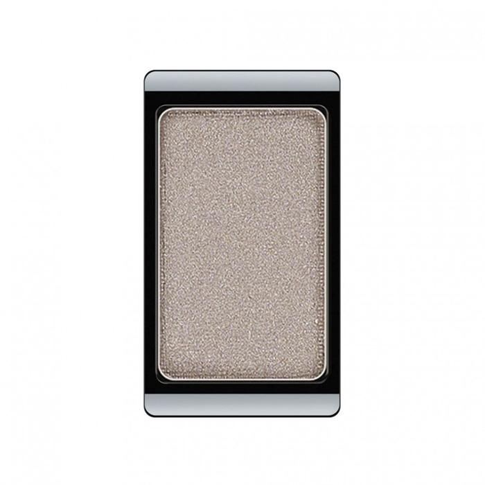 Artdeco Тени для век, перламутровые, 1 цвет, тон №05, 0,8 г5010777139655Перламутровые тени для век Artdeco придадут вашему взгляду выразительную глубину. Их отличает высокая стойкость и невероятно легкое нанесение. Это профессиональный продукт для несравненного результата! Упаковка на магнитах позволяет комбинировать тени по вашему выбору в элегантные коробочки. Тени Artdeco дарят возможность почувствовать себя своим собственным художником по макияжу! Характеристики:Вес: 0,8 г. Тон: №05. Производитель: Германия. Артикул: 30.05. Товар сертифицирован.