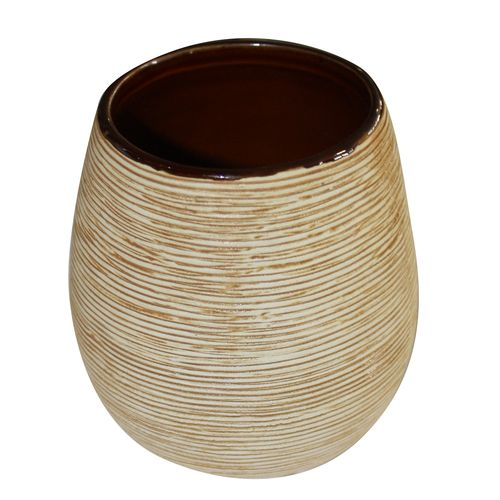 Стаканчик для ванной комнаты Duschy Bees Light68/5/3Оригинальный стаканчик Duschy Bees Light выполнен из керамики бежевого цвета, имеет рифленую поверхность. Стаканчик отличается легкостью и компактностью, при этом он устойчив. Такой стаканчик прекрасно подойдет для зубных щеток, пасты, расчесок и станет достойным дополнением интерьера ванной комнаты. Характеристики:Материал: керамика. Цвет: бежевый. Размер стаканчика: 9,5 см х 8 см х 8 см. Размер упаковки: 10 см х 9 см х 9 см. Артикул: 351-01.
