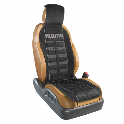 Накидка на переднее сиденье Momo Sport, полиэстер, цвет: черный, серый. MOMO-101 BK/GYCA-3505Накидка на переднее сиденье Momo Sport изготовлена из высококачественного полиэстера и надежно защищает кресла от грязи и изнашивания. Благодаря универсальному крою накидку можно использовать на передних сиденьях большинства автомобилей, в том числе оснащенных боковыми подушками безопасности. Установка не занимает много времени - накидка крепится с помощью эластичных резинок с пластмассовым креплением и закрывает не только спинку и сиденье, но и подголовник кресла. Имеется возможность использования с любыми типами сидений. Стильная накидка на сиденье Momo Sport обладает не только ярким дизайном, но и эргономичным кроем. Вдоль центральной оси накидки расположены прямоугольные выступы, которые массируют ноги и спину, и снижают таким образом усталость от поездок.