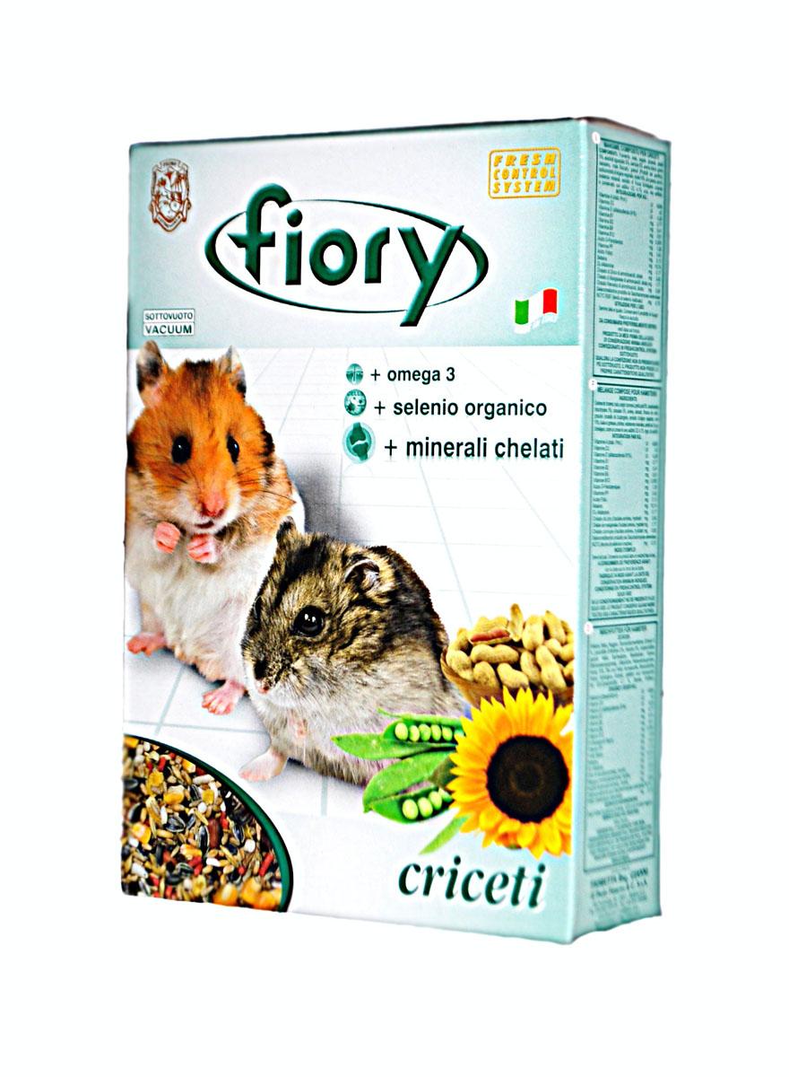 Смесь для хомяков Fiory Criceti, 850 г0120710В корме для хомяков Fiory Criceti содержится двенадцать различных элементов: от семян, богатых углеводами, до овощей и прочих лакомств. Эта смесь также содержит горошек, арахис в скорлупе и плоды рожкового дерева. Другими элементами являются ячмень и воздушный рис – настоящее лакомство для грызунов.Другой характеристикой смеси является добавление гранул, богатых: омега 3, которая регулирует уровень жиров, присутствующих в крови, поддерживает и укрепляет клеточные мембраны; органическим селеном. Это очень важный минерал, активно участвующий в защите клеточных мембран и волоконец, которые соединяют между собой клетки; келатными минералами. Обладают многообразным иммуностимулирующим действием, способствующим развитию клеток. Товар сертифицирован.