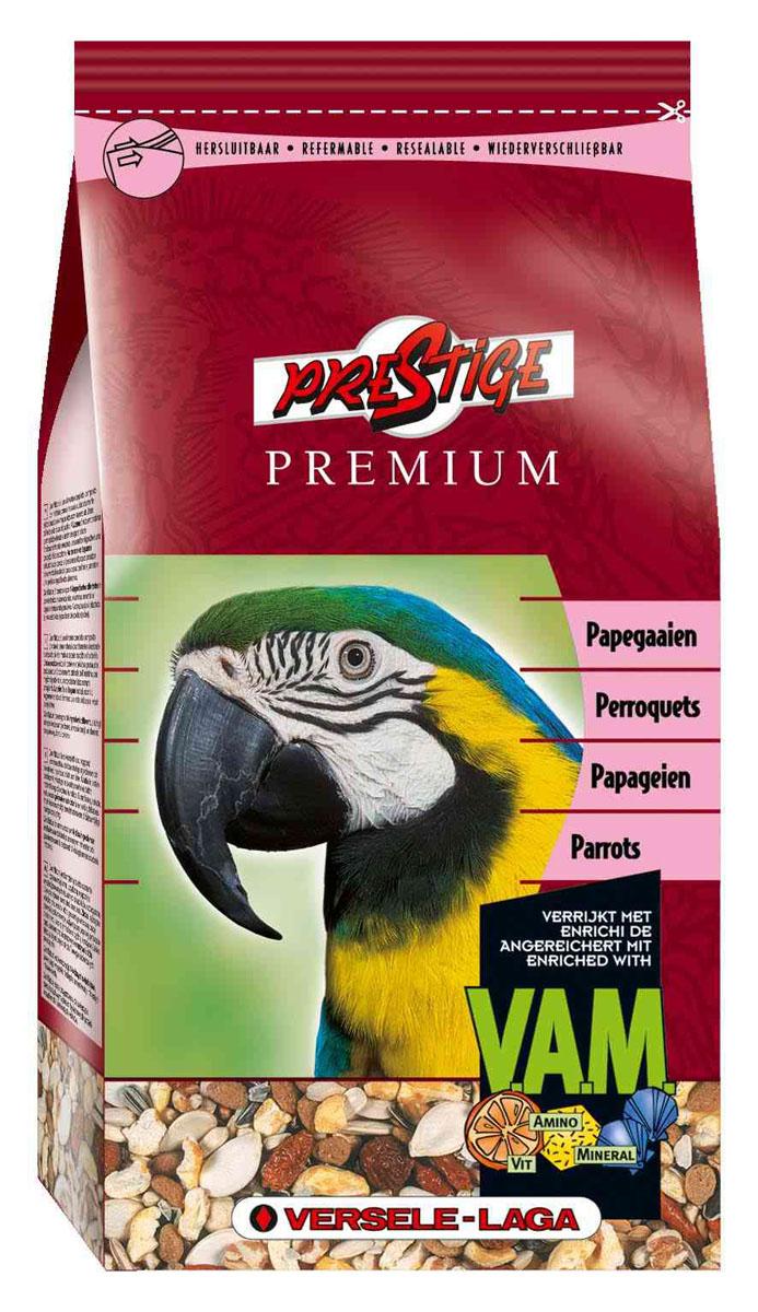 Корм для крупных попугаев Versele-Laga Prestige Parrots Premium, 1 кг0120710Смесь Versele-Laga Prestige Parrots Premium для попугаев это обогащенная зерновая смесь с дополнительными питательными веществами, которые необходимы попугаям. Эта смесь состоит из отобранных семян и дополнительно обогащена витаминами, аминокислотами и минералами, добавляемыми в экструдированные гранулы Maxi ВAM. Кроме этого, вкусные гранулы Maxi ВAM содержат флорастимул, гарантирующий хорошую работу кишечника и превосходную кондицию. Молотый панцирь устриц обеспечивает правильное функционирование мускульного желудка и баланс кальция/фосфора.Versele-Laga поддерживает фонд Loro Parque Fundaci?n в стремлении сохранить вымирающие виды птиц и их среду обитания. Приобретая данную продукцию, вы помогаете фонду Loro Parque Fundaci?n защищать природу.Состав: семена подсолнечника полосатого 13,5%, сафлор 12%, гречиха 9%, рис-сырец 9%, гранулы Maxi ВAM 8%, остроконечный овес 8%, канареечное семя 7%, белые семена подсолнечника 5,5%, семена конопли 4%, семена тыквы очищенные 3%, орехи сосны 3%, желтое просо 3%, кукуруза 2%, дари 2%, красное просо 2%, мелкий зеленый горох 2%, ракушки устриц 2%, шиповник 1%, воздушная кукуруза 1%, воздушная пшеница 1%, красный перец 1%, семена сосны 1%.Анализ состава: белки 14%, жиры 14,6%, клетчатка 16%, зола 5,5%, кальций 0,93%, фосфор 0,36%, витамин А8000 МЕ/кг, витамин D3 1600 МЕ/кг, витамин E 19 мг/кг.Добавки: витамин B1, витамин B2, витамин B6, витамин B12, витамин C, витамин PP, витамин К, биотин, фолиевая кислота, холин, натрий, магний, калий, железо, медь, марганец, цинк, йод, селен.Вес: 1 кг. Товар сертифицирован.