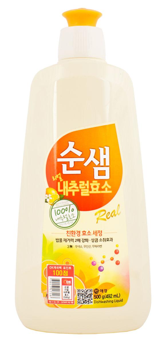 Средство для мытья посуды Soonsaem Натуральные ферменты, 500 мл790009Средство для мытья посуды Soonsaem Натуральные ферменты имеет следующие особенности: - содержит натуральные природные очищающие компоненты; - благодаря применению системы экоферментного очищения, средство тщательно удаляет жир, а также крахмальные загрязнения; - благодаря содержанию природных витаминов, лимонной кислоты и компонента лимона средство избавляет от запаха, а также увлажняет кожу рук после мытья посуды; - благодаря специальной системе (отсутствие красящего вещества, отсутствие фосфорной кислоты, отсутствие компонента парабена) средство безопасно для человека и окружающей среды;- подходит для мытья фруктов и овощей.Товар сертифицирован.
