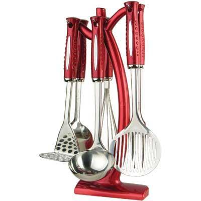 Набор кухонный Bekker BK-490, 7 предметов68/5/4Набор кухонных аксессуаров Bekker станет незаменимым помощником на кухне, поскольку в набор входят самые необходимые кухонные аксессуары: картофелемялка, ложка, половник, вилка, шумовка, венчик. Все предметы набора хранятся в элегантной настольной подставке. Весь набор выполнен из нержавеющей стали и пластика. Сталь с таким сплавом широко используется во всем мире. Изделия из нержавеющей стали исключительно прочны, гигиеничны, не подвержены коррозии и химически устойчивы по отношению к органическим кислотам, солям и щелочам.Такой набор понравится любой хозяйке и будет отличным помощником на кухне. Характеристики:Материал: нержавеющая сталь, пластик. Размер подставки: 37 см х 14 см х 8 см. Длина картофелемялки: 28 см. Длина ложки: 32 см. Длина половника: 31 см. Длина шумовки: 33 см. Длина вилки для мяса: 33 см. Длина венчика: 30 см. Размер упаковки: 38 см х 16 см х 10 см. Артикул: BK-490.