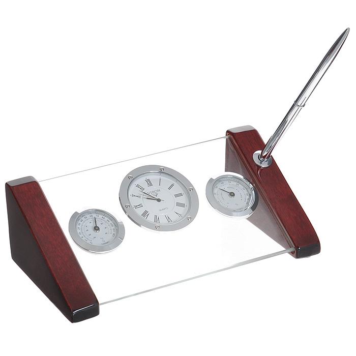 Настольный подарочный набор Viron: часы, термометр, гигрометр. 2825354 009305Настольный подарочный набор Viron представляет собой планку из прочного стекла на деревянном лакированном основании красно-коричневого цвета. На стеклянной подставке помещены часы, термометр и гигрометр. На одном из деревянных ножек имеется отверстие для ручки. Настольный подарочный набор Viron станет замечательным подарком деловому человеку, начальнику, вашему бизнес-партнеру. Он подчеркнет стиль и вкус его будущего владельца. В комплект входит металлическая пластинка для гравировки и металлическая шариковая ручка.Продукция немецкой компании Viron известна во всем мире. Это красивые, оригинальные аксессуары и предметы обихода, которые выделяются лаконичностью форм, многофункциональностью, практичностью, непревзойденным немецким качеством и утонченным стилем. Характеристики: Материал:стекло, дерево, металл (алюминий, латунь). Цвет: красно-коричневый.Размер подставки:20 см х 10 см х 6 см.Диаметр циферблата часов: 5,5 см.Диаметр циферблата термометра, гигрометра: 4 см.Размер упаковки: 23 см х 15 см х 9,5 см. Артикул: 28253. Часы работают от батарейки (SR626SW/V377). Батарейка в комплект не входит.