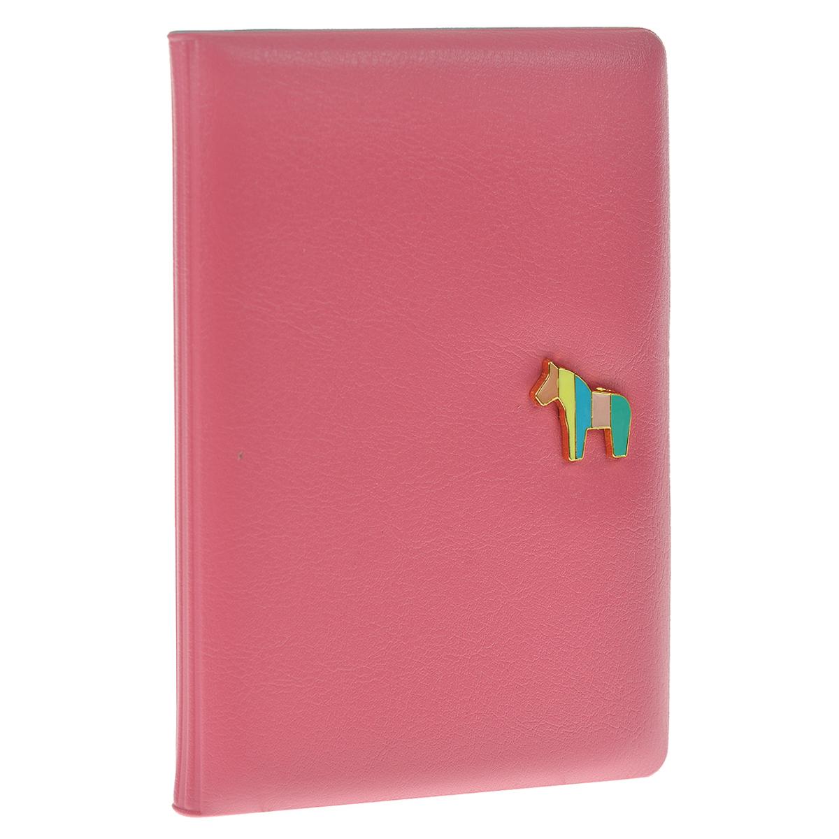 Обложка для паспорта Pony, цвет: фуксияO.30.CH.розовыйОбложка для паспорта Pony не только поможет сохранить внешний вид ваших документов и защитить их от повреждений, но и станет стильным аксессуаром, идеально подходящим вашему образу. Обложка выполнена из ПВХ цвета фуксии и оформлена декоративным элементом из металла в виде миниатюрного пони. Внутри - кармашек из прозрачного пластика.Такая обложка станет замечательным подарком человеку, ценящему качественные и практичные вещи. Характеристики:Материал: ПВХ. Размер обложки: 9,5 см х 14 см х 1 см. Цвет: фуксия.Размер упаковки: 10 см х 14 см х 1,5 см. Артикул: 0901032.