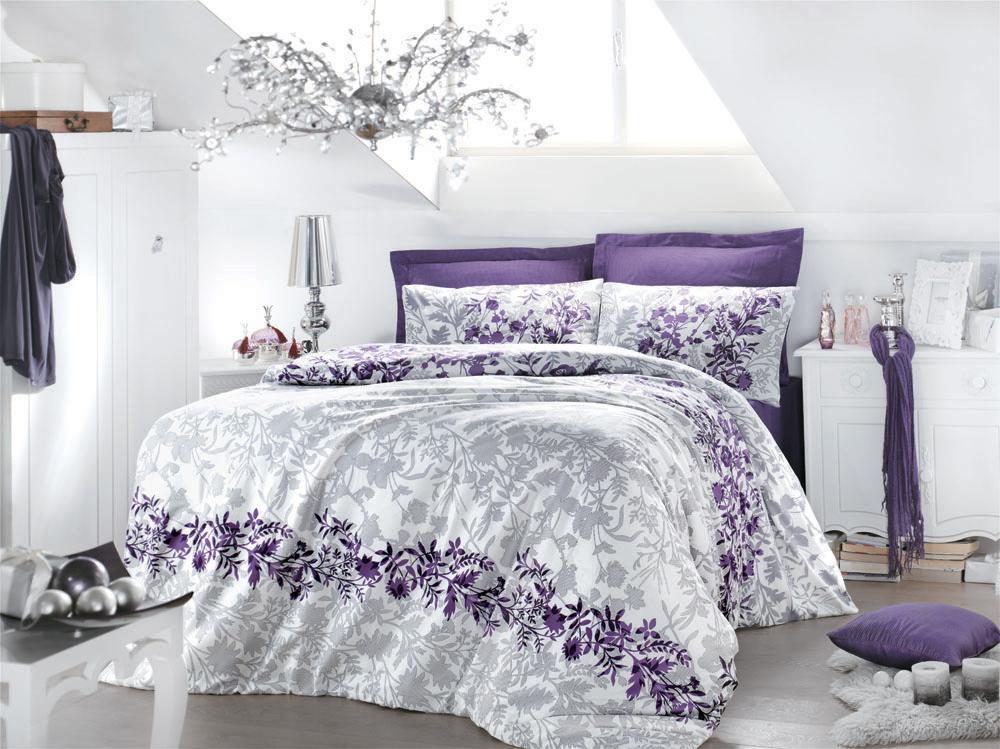 Комплект белья Violetta (1,5 спальный КПБ, сатин, наволочка 50х70), цвет: бело-фиалковыйFD-59Комплект постельного белья Violetta, изготовленный из сатина высокого качества, поможет вам расслабиться и подарит спокойный сон. Комплект состоит из одного пододеяльника, простыни и одной наволочки.Нежный, романтичный, создающий мечтательное и воздушное настроение, комплект Violetta выполнен в нежных оттенках фиалки в сочетании с серебристо-серым узором.Белье сшито из сатина - блестящей и плотной ткани, которая изготавливается из крученой хлопковой нити двойного плетения, что придает ей яркость и блеск. Своими свойствами он схож с шелком и кашемиром. Сатин из египетского хлопка отличает от остальных отсутствие линта (хлопкового пуха), поэтому со временем белье не обрастает катышками! Это белье выдерживает более 300 стирок, не теряя своей первоначальной прелести и не тускнея, и его практически не нужно гладить! Благодаря такому комплекту постельного белья вы сможете создать атмосферу роскоши и романтики в вашей спальне. Характеристики: Цвет: бело-фиалковый. Материал: поверхностная плотность: 200ТС. состав: сатин (100% хлопок). метод нанесения рисунка: ротационный принт, гладкоокрашенная ткань. нить: 40/1 Penye (Combed). Размер упаковки: 52 см х 33 см х 8 см. В комплект входят: Пододеяльник - 1 шт. Размер: 160 см х 220 см. Простыня - 1 шт. Размер: 160 см х 240 см. Наволочка - 1 шт. Размер: 50 см х 70 см.