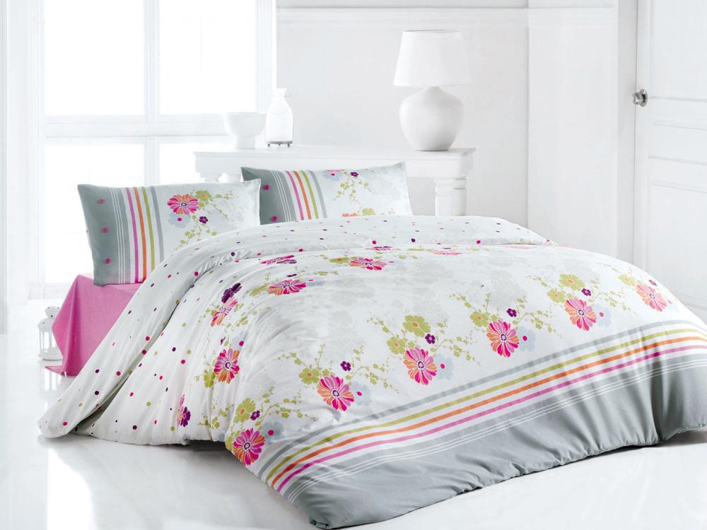 Комплект белья Infinity (1,5 спальный КПБ, ранфорс, наволочка 50х70), цвет: серо-розовый391602Комплект постельного белья Infinity, изготовленный из ранфорса высокого качества, поможет вам расслабиться и подарит спокойный сон. Комплект состоит из одного пододеяльника, простыни и одной наволочки.Постельное белье Infinity обладает ярким современным дизайном, оформлен цветочным принтом в серо-розовой гамме.Белье сшито из ранфорса, материала, очень мягкого и приятного на ощупь. К тому же он обладает отличными гигроскопичными, антистатичными и гипоаллергенными свойствами. Ранфорс - это удивительный материал. Летом в таком постельном белье будет прохладно, а зимой оно, наоборот, хорошо сохранит тепло вашего тела.Все белье Issimo - это образец качества. Ровные швы, качественный хлопок, четкие рисунки на тканях, которые не полиняют и не потеряют яркости долгое время - все это говорит о строгом отношении производителя к своей продукции. Характеристики: Цвет: серо-розовый. Материал: поверхностная плотность- 145 ТС. плетение: ранфорс. состав: 100%хлопок. метод нанесения рисунка: ротационный принт, маленькая фирменная вышивка Issimo. нить: 30/1 Carde. Размер упаковки: 52 см х 33 см х 5 см. В комплект входят: Пододеяльник - 1 шт. Размер: 160 см х 220 см. Простыня - 1 шт. Размер: 160 см х 240 см. Наволочка - 1 шт. Размер: 50 см х 70 см.