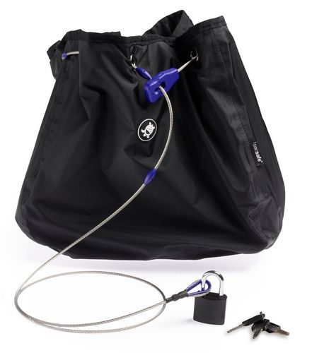Сумка с тросом PacSafe C35L Stealth, цвет: черныйMS-618-5/1Предусмотрена защита от перерезания и приспособления для крепления к неподвижным предметам.Как и изделия оригинальной запатентованной серии pacsafe, эти чехлы рассчитаны на сумки объемом 35 л соответственно. При этом уменьшенный проем позволяет надежно защитить вещи от воров. Характеристики:Материал: 210D нейлон, нержавеющая сталь. Размер сумки: 27 см x 39 см x 35 см. Цвет: черный. Размер упаковки: 23 см х 10 см х 10 см. Артикул: PD103BK.