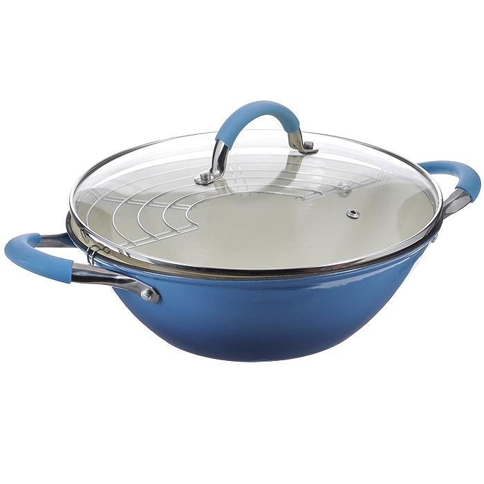 Казан чугунный Mayer & Boch с крышкой, с решеткой-барбекю, цвет: голубой, 3,6 л391602Казан Mayer & Boch, изготовленный из чугуна, идеально подходит для приготовления вкусных тушеных блюд. Он имеет внешнее голубое и внутреннее белое эмалевое покрытие. Чугун является традиционным высокопрочным, экологически чистым материалом. Причем, чем дольше и чаще вы пользуетесь этой посудой, тем лучше становятся ее свойства. Высокая теплоемкость чугуна позволяет ему сильно нагреваться и медленно остывать, а это в свою очередь обеспечивает равномерное приготовление пищи. Чугун не вступает в какие-либо химические реакции с пищей в процессе приготовления и хранения, а плотное покрытие - безупречное препятствие для бактерий и запахов. Пища, приготовленная в чугунной посуде, благодаря экологической чистоте материала не может нанести вред здоровью человека. Казан оснащен двумя удобными ручками из нержавеющей стали с ненагревающимися силиконовыми вставками. Крышка изготовлена из жаропрочного стекла и оснащена отверстием для выпуска пара и металлическим ободом. Такая крышка позволяет следить за процессом приготовления пищи без потери тепла. Она плотно прилегает к краю казана, сохраняя аромат блюд. В комплекте - решетка-барбекю.Подходит для использования на газовых, электрических, стеклокерамических, галогенных, индукционных плитах. Не предназначен для СВЧ-печей. Можно мыть в посудомоечной машине, а также использовать в духовом шкафу. Подходит для хранения пищи в холодильнике. Диаметр (по верхнему краю): 28 см.Высота стенки: 9,5 см.Толщина стенки: 28 мм.Толщина дна: 4 мм.Размер решетки-барбекю: 29,5 см х 13 см.